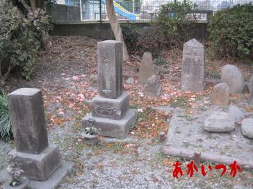 伊集院源次郎忠眞の墓2
