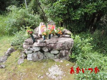 母子の墓5